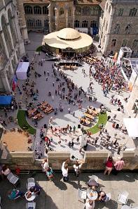 Am zweiten Festtag lockte das sonnige Wetter Tausende ins Landesmuseum. ©Schweizerisches Nationalmuseum.