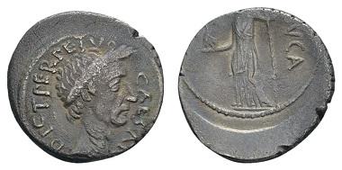 Los 96: Iulius Caesar und L. Aemilius Buca, 44 v.Chr., Denar, Rom. Craw. 480/8; Syd. 1061, selten, sehr schön. Zuschlag: 1.300 Euro (Ausruf: 500 Euro).