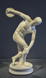 Statue of a discus thrower in the National Roman Museum Palazzo Massimo alle Terme. Photograph: Livioandronico2013 / https://creativecommons.org/licenses/by-sa/4.0/deed.en