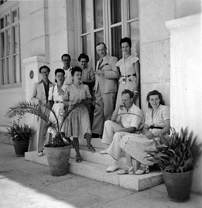 Léon Lacroix (first on the left) at the French School of Archaeology in Athens.