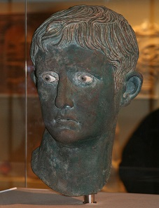 Bronzebüste des Octavian, gefunden im nubischen Meroe. Foto: Steve F-E-Cameron / Louis le Grand / https://creativecommons.org/licenses/by-sa/3.0/deed.en