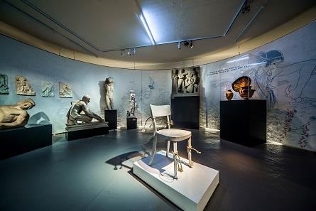 Blick in die Ausstellung. Foto: Antikenmuseum Basel und Sammlung Ludwig. Skulpturhalle Basel.