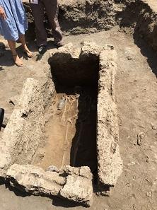 4th-century BC tomb of a male adult. Photo: UFFICIO STAMPA Soprintendenza Pompei.