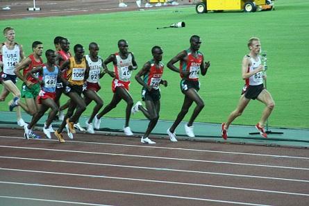 5000-Meter-Lauf bei der Leichtathletik-Weltmeisterschaft 2007 im japanischen Osaka. Foto: Eckhard Pecher (Arcimboldo) / https://creativecommons.org/licenses/by/2.5/deed.en.