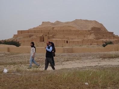 Iraner sind stolz auf ihre Geschichte. Sie besuchen gerne ihr kulturelles Erbe. Foto: KW.