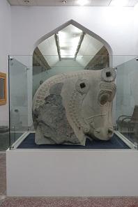 Einer der monumentalen Stierköpfe, die früher den persischen Thronsaal schmückten. Foto: KW.