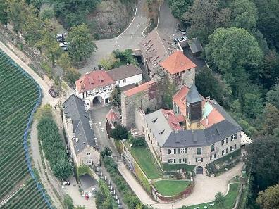 Schloss Eberstein, Luftaufnahme aus dem Jahr 2006. Foto: Lothar Neumann / https://creativecommons.org/licenses/by/2.0/deed.en.