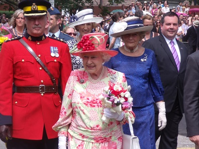 Queen Elizabeth II during a visit of Toronto. Source: Ibagli / 6 July 2010 / Wikipedia.