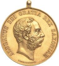 Los 233: Kleine goldene Medaille Virtuti et ingenio. Verliehen 1874-1898 (Louis Klemich/F.K.-Friedrich Anton König). 35 mm, 27,76 g. Äußerst selten. Vorzüglich. Schätzpreis: 2.800 Euro.