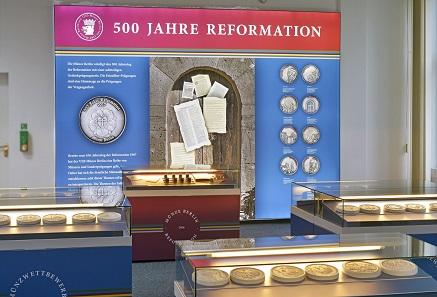 Blick in die Ausstellung. Foto: © Staatliche Münze Berlin.
