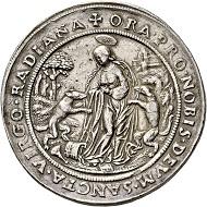 Los 558: Salzburg. Matthäus Lang von Wellenburg, 1519-1540. Doppelter Schautaler 1521. Selten. Fast vorzüglich. Schätzpreis: 8.000 Euro. Startpreis: 4.800 Euro.