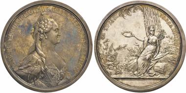 Los 1636: Russland. Katharina II., 1762-1796. Silbermedaille von Klepikow u. Kuchkin o.J. vz-st. Schätzpreis: 1.500 EUR.