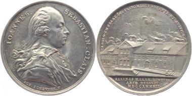 Los 288: Bayern. Bad Reichenhall, Stadt. Medaille (von Joseph Scheufel) 1782 a. d. Oberkommissar der Reichenhaller Salinen. Vorzüglich. 1.225 Euro.