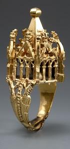 Jewish Wedding Ring. Germany, first half of the 14th century.Gold. H. 1 7/8 in. (4.8 cm), W. 1 in. (2.5 cm), D. 1 in. (2.5 cm). Thüringisches Landesamt für Denkmalpflege und Archäologie, Weimar (5067/98). Image: Thüringisches Landesamt für Denkmalpflege und Archäologie (photograph by B. Stefan).