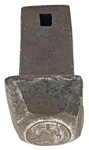Entstehendes Geld: Stempeleinsätze (Vorder- und Rückseite) zu Stadt Warendorf, 4 Pfennig 1690 [Eisen, gestählt - Vorderseite: L 7,5 cm, D ca. 3,8 cm; Rückseite: L 7,5 cm, D ca. 3,3 cm]. © LWL-Museum für Kunst und Kultur / Westfälisches Landesmuseum, Münster. Foto: Sabine Ahlbrand-Dornseif.