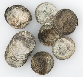 Ausgegrabenes Geld: Schatzfund von Winterberg, um 1300/10. © LWL-Museum für Kunst und Kultur / Westfälisches Landesmuseum, Münster. Foto: Sabine Ahlbrand-Dornseif.