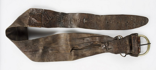 Transportiertes Geld: Geldgürtel, 18. Jh. [Leder - L 132,0 cm, B max. 12,0 cm]. © LWL-Museum für Kunst und Kultur / Westfälisches Landesmuseum, Münster. Foto: Sabine Ahlbrand-Dornseif.