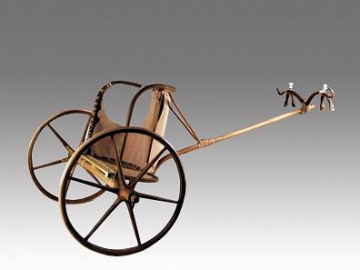 Rekonstruktion eines Streitwagens aus der Zeit Ramses II., Roemer- und Pelizaeus-Museum Hildesheim. Foto: © Hildesheim, Roemer- und Pelizaeus-Museum, Sh. Shalchi.