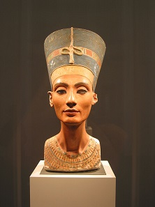 Bust of Nefertiti. Neues Museum, Staatliche Museen zu Berlin. Photo: Magnus Manske / Wikimedia Commons / CC BY-SA 3.0.