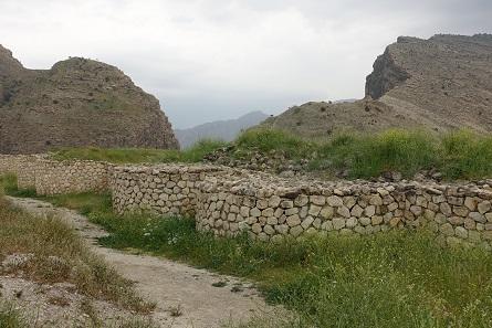 Die Stadtmauern von Bishapur. Foto: KW.