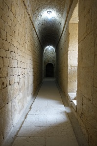 Vaulted tunnels, through which small rivulets flowed once. Photo: KW.