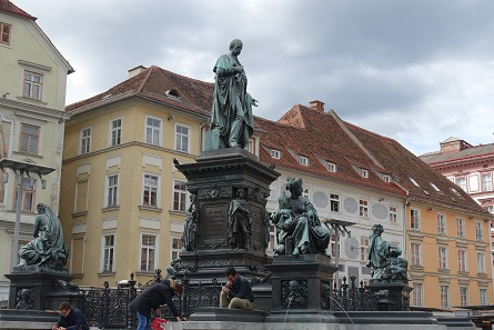 Memorial for the archduke John of Austria in front of the town hall of Graz. Photo: KW