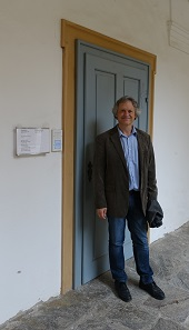 Karl Peitler in front of the entrance to the Coin Cabinet. Photo: KW.