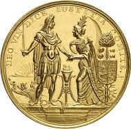 Nr. 5074: Großbritannien. James II., 1685-1688. Satirische Goldmedaille 1688 von R. Arondeaux auf die Landung Wilhelms III. von Nassau-Oranien in Torbay. Äußerst selten. Fast vorzüglich. Taxe: 25.000,- Euro.