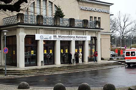 Die Münzbörse im Hannover Congress Center. Genügend Parkplätze, leichte Anfahrt und eine sympathische Umgebung.