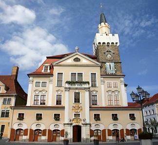 Das Rathaus von Löbau. Foto: Frank Vincentz / CC BY-SA 3.0