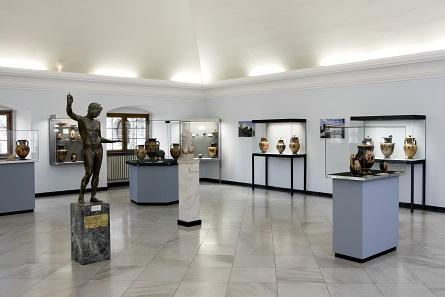 Im Mittelpunkt der Würzburger Sammlungen stehen die griechischen Vasen. Foto: © Martin von Wagner Museum Würzburg.
