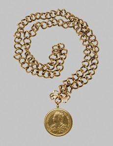 Maria Theresia als Herzogin von Mailand. Gnadenkette mit Medaille. Jean Dassier, 1763. Gold. Wien, Kunsthistorisches Museum, Kunstkammer. Inv.-Nr. KK 992. © KHM-Museumsverband.