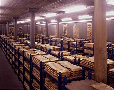 The Gold reserves of the Bank of England © Bank of England, London.