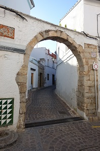 The entrance to the Jewish quarter. Photo: KW.