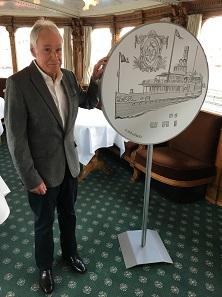 Der Künstler Ueli Colombi hat die Münze auf der Uri vorgestellt. Foto: Swissmint.