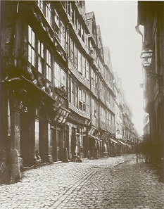 Judengasse, formerly the Jewish ghetto in Frankfurt on the Main ca. 1868. Photo: Th. Creifeld.