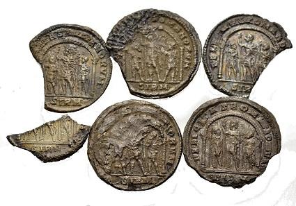 Lot von Miliarense-Buchstücken. März 317, Sirmium. Die Büsten von Constantinus I. bzw. Constantinus II. Caesar. Aus Auktion Münzen & Medaillen 45 (9. Juni 2017), Nr. 1047.
