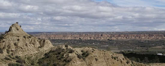 No, you're not looking at Turkish Göreme but at the Spanish city Guadix, which currently still features around 2,000 inhabited caves. Photo: KW.