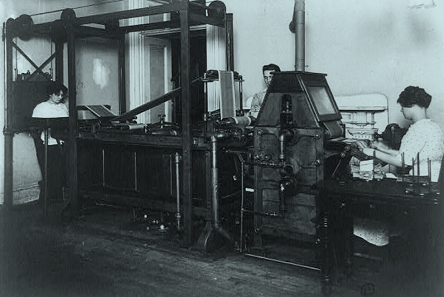 Machine for the laundering of money in the American Treasury Department, photo taken in 1912. Photo: copyright Scherer / Library of Congress, Prints &Photographs Division (LC-USZ62-90450).
