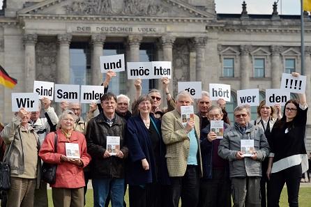 Auch an der Onlinepetition gegen das neue Kulturgutschutzgesetz beteiligte sich Horst Gutsche (4. v.l.).
