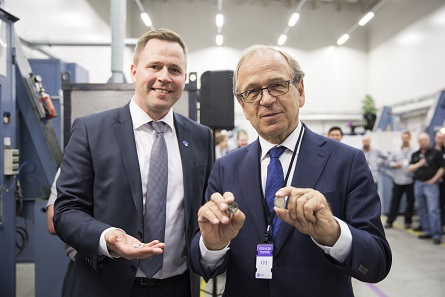 During the official starting of the production Governor Erkki Liikanen of the Bank of Finland attended.