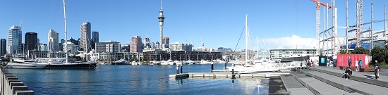 Auckland. View of the city center, as seen from the harbor. Photo: UK.