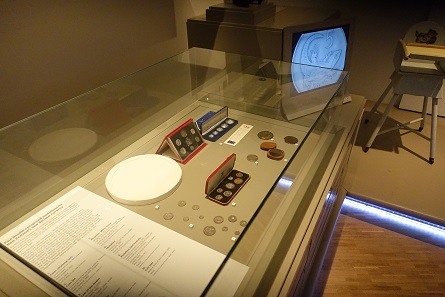 A small specialized exhibition on the decimal system. Photo: UK.