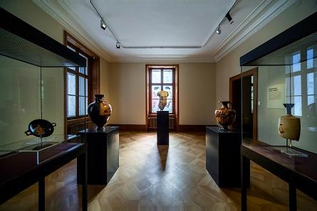 Einblick in die Ausstellung. © Ruedi Habegger, Antikenmuseum Basel und Sammlung Ludwig.