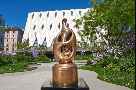 For one year Henry Moore's sculpture The Egg will remain at the MEG as a sign of the award won in 2017. Photo: © MEG / Jonathan Watts.