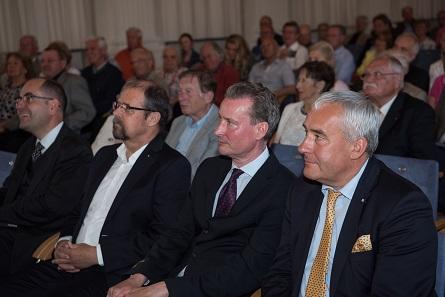 Von rechts nach links: Martin Wallraff, Martin Eichler, Kay Ehling und Ludwig Spaenle. Nicht im Bild der Leitende Sammlungsdirektor Dietrich Klose, der gerade die Gäste begrüßt.