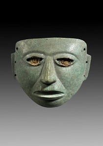 Los 11: Mexiko. Zentrales Hochland. Teotihuacan. Ca. 150 v. Chr.-750 n. Chr. Gesichtsmaske. Hellgrüner Stein. B. 13,9 cm. Taxe: 25.000 EUR.