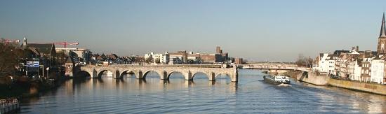 St. Servatius Bridge in Maastricht. Photo: Les Meloures. BY-CC 1.0.