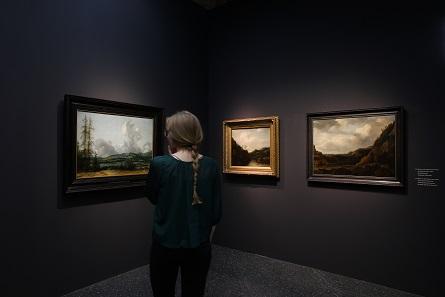 """Ausstellungsansicht Bucerius Kunst Forum """"Die Geburt des Kunstmarktes. Rembrandt, Ruisdael, van Goyen und die Künstler des Goldenen Zeitalters"""". © Bucerius Kunst Forum, 2017 Foto: Ulrich Perrey."""