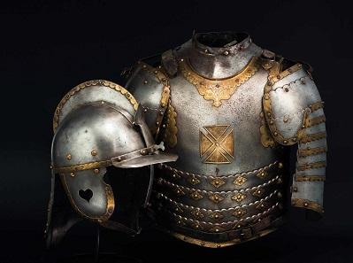 Husarischer Kürass mit zugehörigem Helm, 17. Jahrhundert. Taxe: 28.000 Euro.